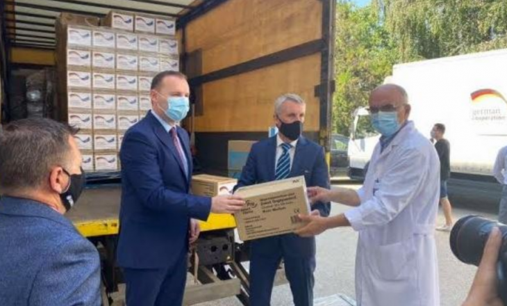 Gjermania i dhuron IKSHPK-së 17 mijë maska, pesë mijë e 500 pako doreza dhe 37 mijë litra dezinfektues