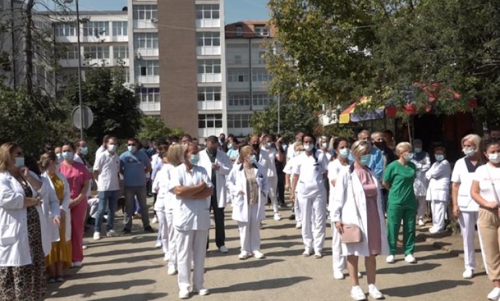 Punëtorët shëndetësorë paralajmërojnë protesta të përshkallëzuara