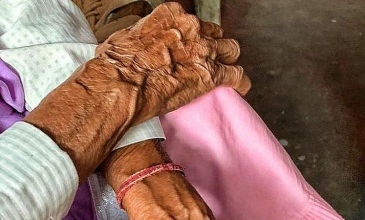 Në kryeqytetin e Indisë, burri sulmon dhe dhunon gjyshen 86 vjeçare
