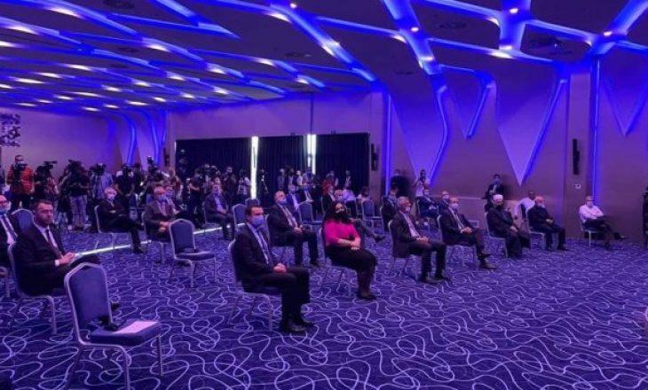Viti i Ri hebraik i bën bashkë liderët politik të Kosovës