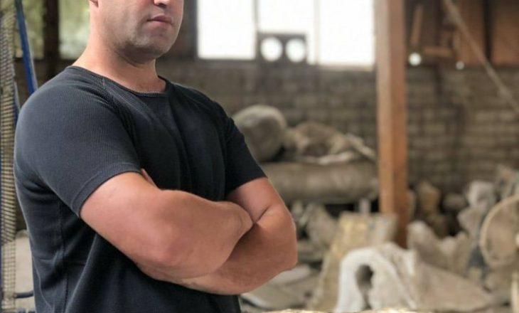 """Inagurohet """"trëndafili i bardhë"""" nga Sislej Xhafa vepra e parë e artit bashkëkohor për komunën e Prishtinës"""