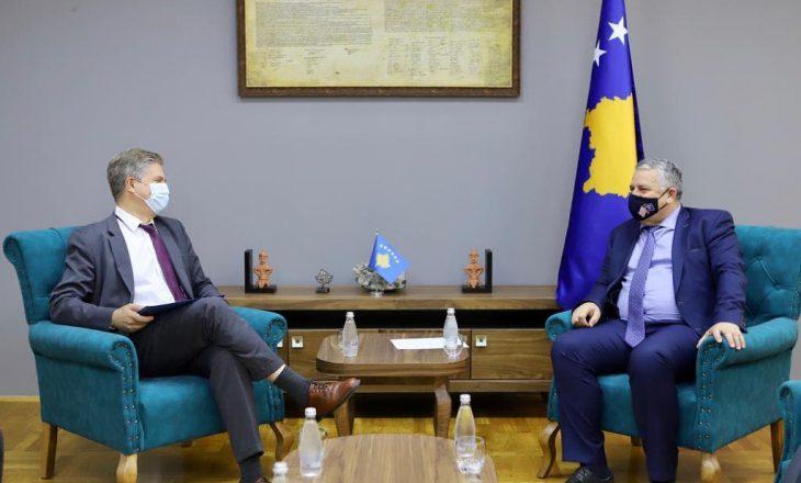 Agim Veliu takon shefin e EULEX-it