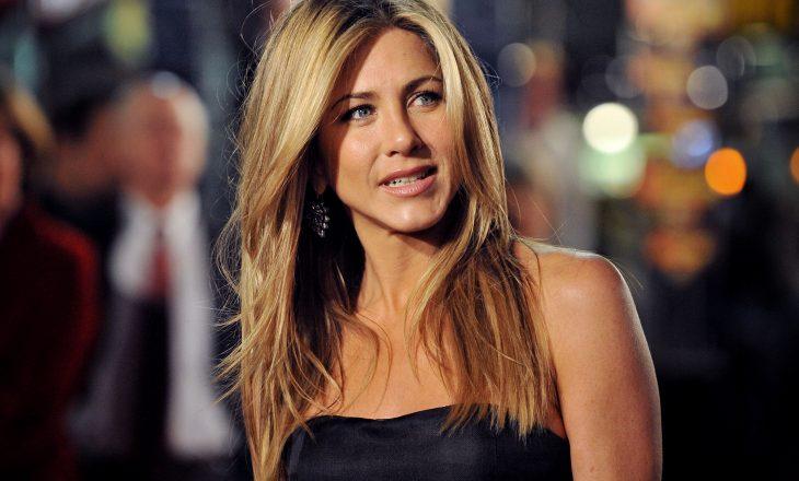 Kolegu i Jennifer Aniston e kishte aq fiksim aktoren sa që harronte rreshtat e skenarit të tij