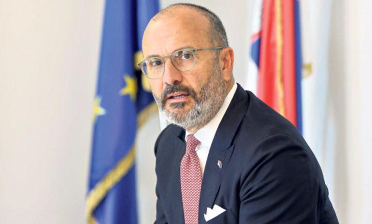Fabrizi: BE nuk sheh arsye për zgjatje të procesit dialogues me Kosovën