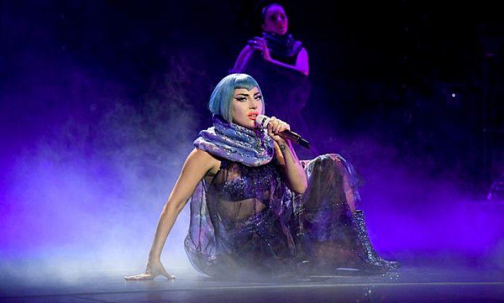Lady Gaga rrëfen përvojën e tmerrshme të dhunimit dhe si i ndihmoi gjyshja e saj për t'a tejkaluar