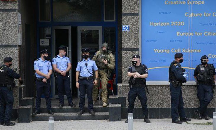 Euronews shkruan për arrestimin e Nasim Haradinajt dhe Hysni Gucatit
