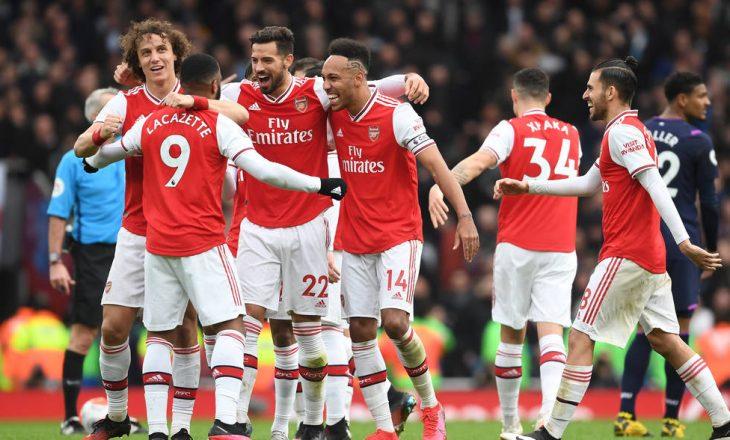 Arsenal gati të shes tre lojtarë