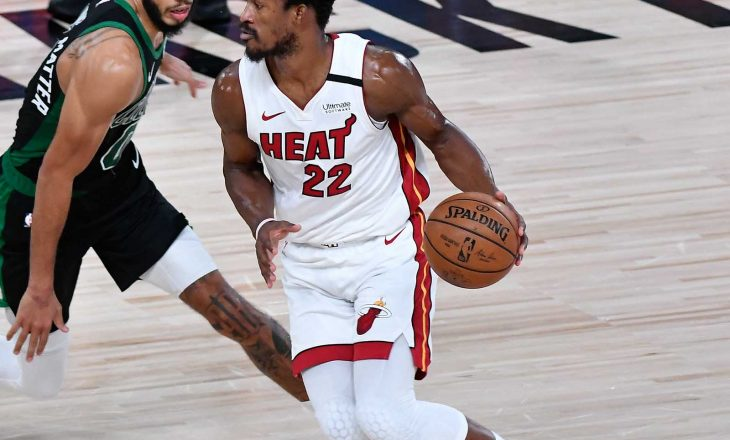 Miami Heat i bashkohet Lakers në finalen e madhe
