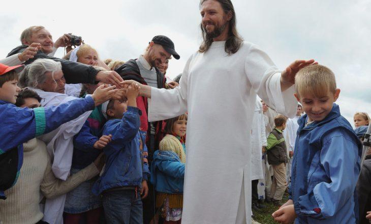 Besonte se ishte rimishërimi i Jezu Krishtit – arrestohet lideri i kultit mesianik