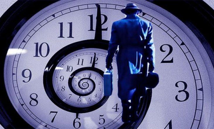 Udhëtimi në kohë është 'i mundur' pas 'zgjidhjes së paradoksit kryesor'