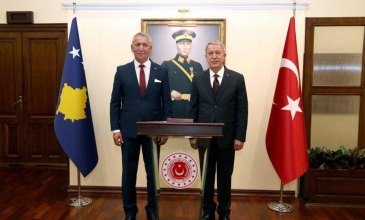 Ministri Quni pritet me nderime të larta në Turqi