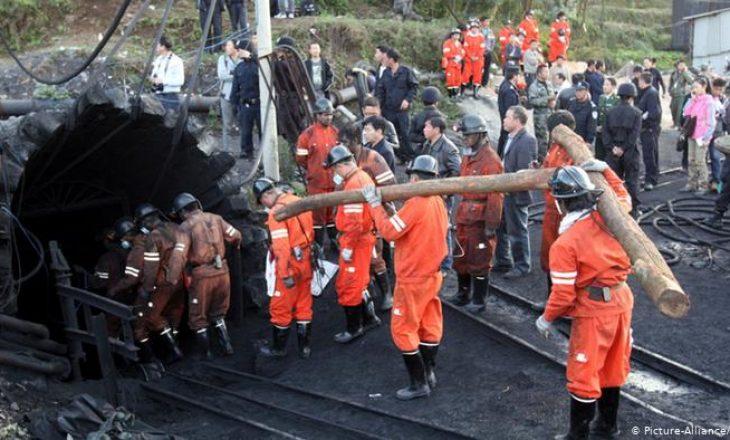 Në Kinë, humbin jetën 16 persona në minierë