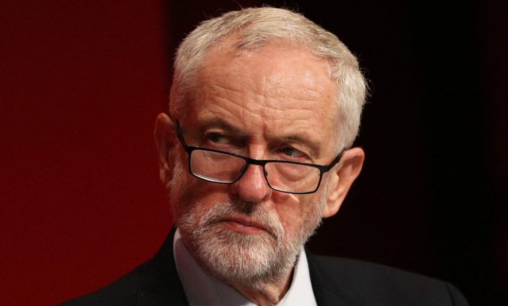 Lideri opozitar në Britani kërkon ndryshim sistemi në luftimin e pandemisë