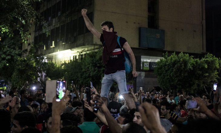 Protestat në Egjipt, kërkohet largimi i Presidentit al-Sisi