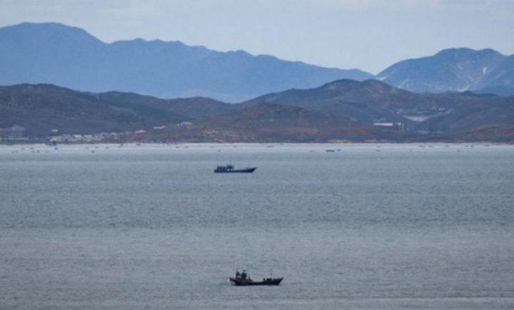 """Ushtarët koreanoveriorë """"e vranë dhe e dogjën"""" një zyrtar të Koresë Jugore"""