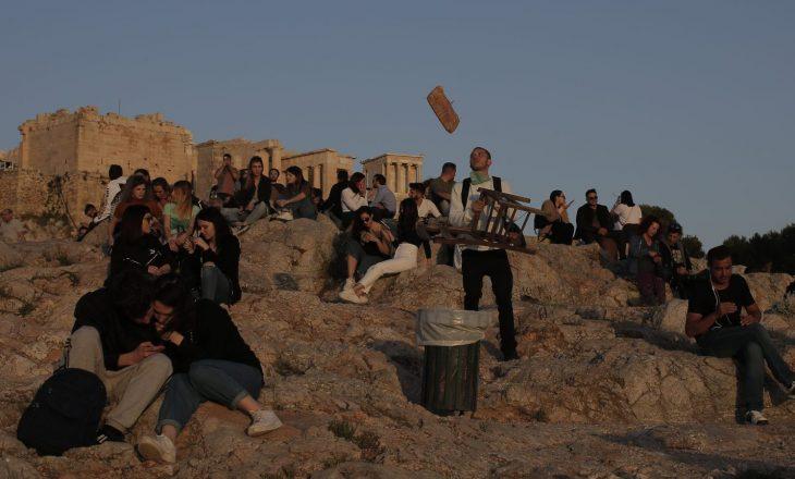 Greqi: tetë persona humbin jetën nga Covid-19