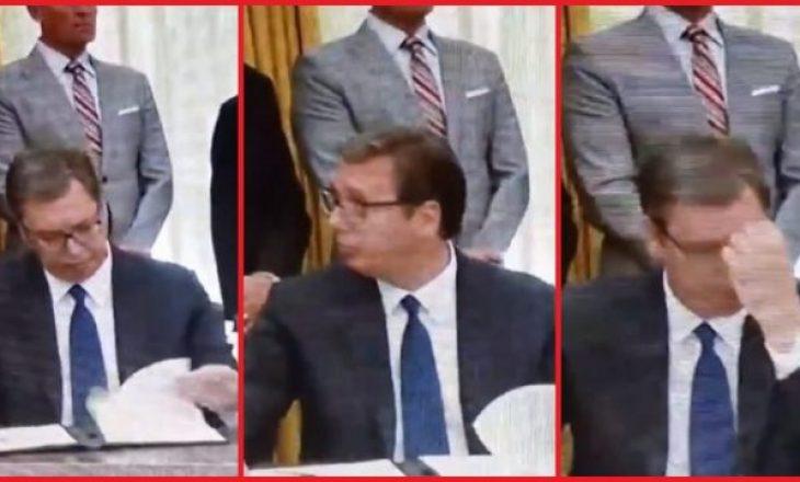 """Vuçiq """"nuk e dinte"""" një pjesë të marrëveshjes – e kuptoi vetëm pasi e përmendi Trump-i (VIDEO)"""