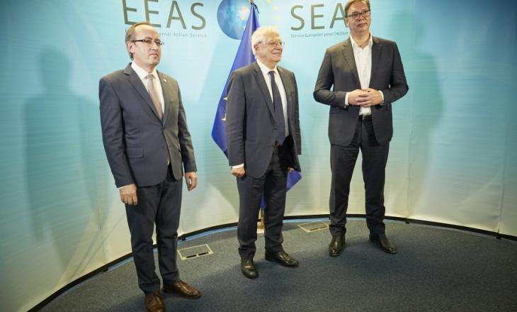 Hoti e Vuçiq me deklaratë të përbashkët – zotohen t'i dyfishojnë përpjekjet në dialog