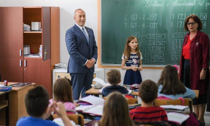 Haradinaj uron nxënësit e mësimdhënësit për fillimin e vitit të ri shkollor