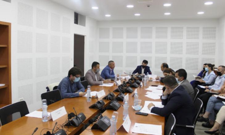 LVV e LDK akuzojnë njëra-tjetrën për bllokim të punës së Komisionit hetimor rreth privatizimit