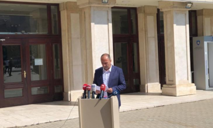 """Aliu akuzon Hotin se ka hapur precedent të rrezikshën për vendin: """"I dha hise Serbisë në Liqenin e Ujmanit"""""""