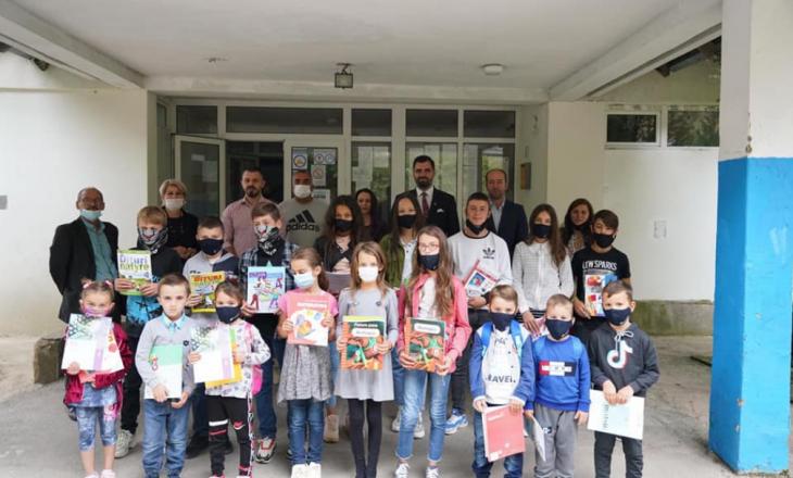 Nis shpërndarja falas e teksteve shkollore për nxënësit shqiptarë në Luginë të Preshevës