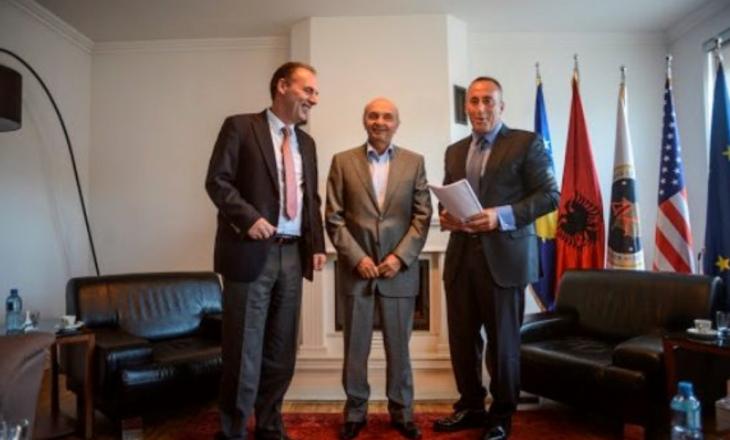 Mustafa, Haradinaj dhe Limaj në takim