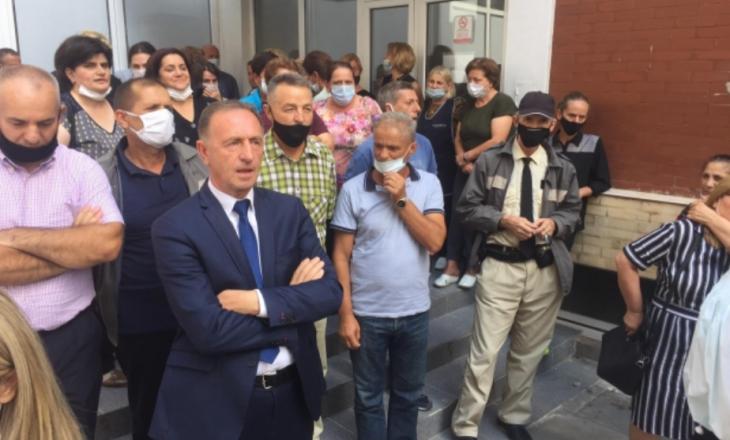 Mbahet protesta – Punëtorët teknikë në spitale paralajmërojnë bojkotim të punës