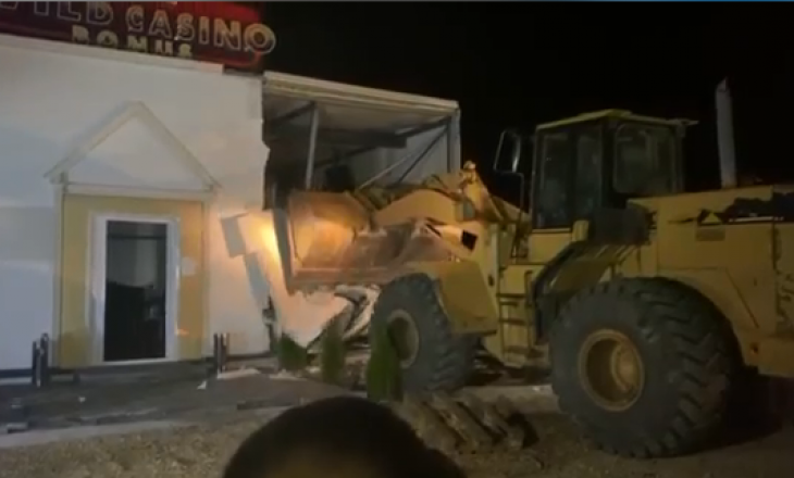 Rrënohen objektet e kazinove në Karaçevë