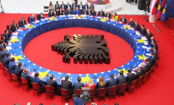 Të premten mbahet mbledhje e përbashkët në mes qeverive shqiptare