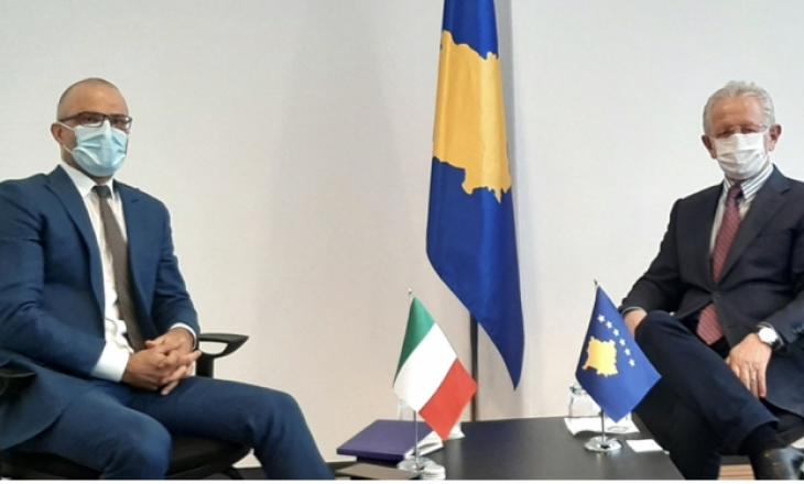 Ambasadori i Italisë takohet me Hysenin, diskutohet për liberalizimin e vizave