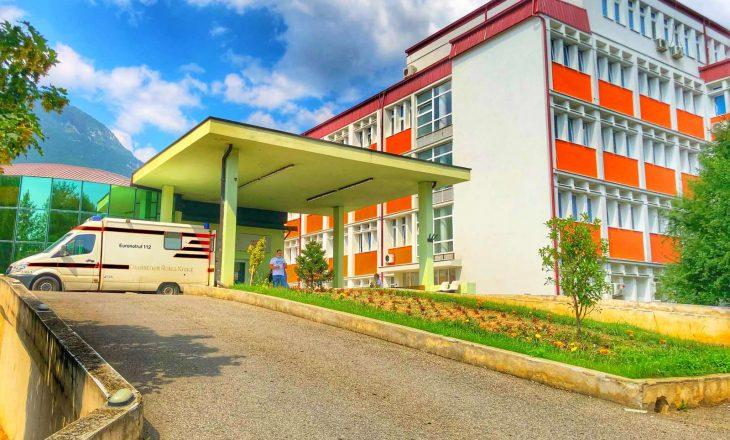 Në Spitalin e Pejës 15 pacientë në gjendje të rëndë shëndetësore si pasojë e COVID-19