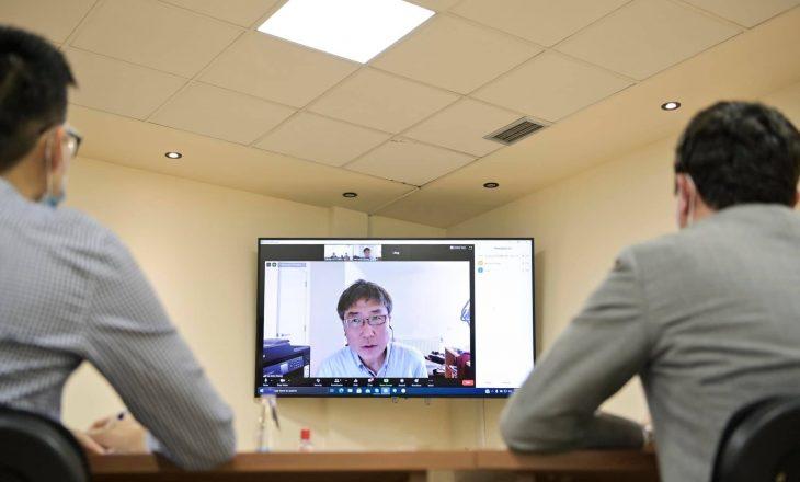 Kurti takim virtual me profesorin e Universitetit Cambridge, diskutohet për një kapitalizëm më pak të pabarabartë