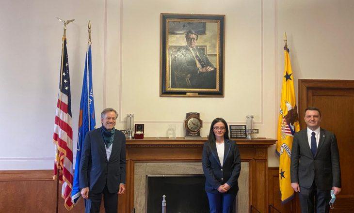 Selimi e Haradinaj-Stublla takohen me Swartz nga Departamenti i Drejtësisë së ShBA-së