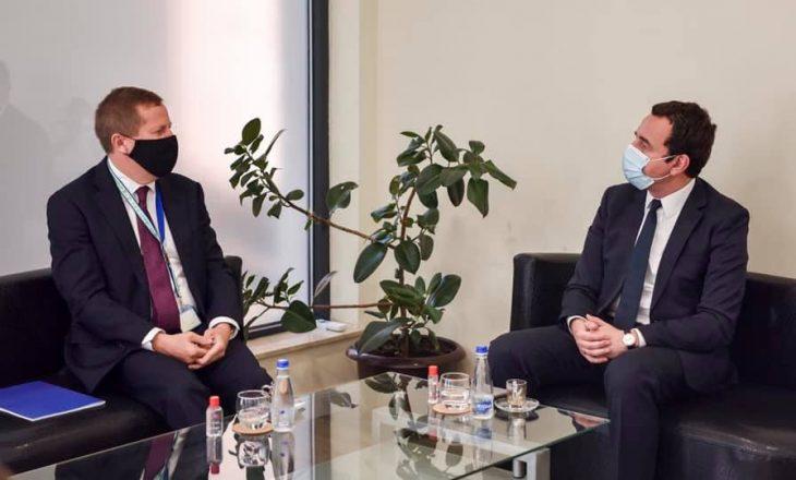 Kurti takohet me shefin e BE-së për Kosovën, pajtohen që perspektiva e Kosovës është evropiane
