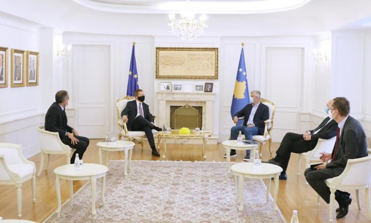 Thaçi takohet me shefin e ri të Zyrës së BE-së në Kosovë, ambasadorin Tomas Szunyog