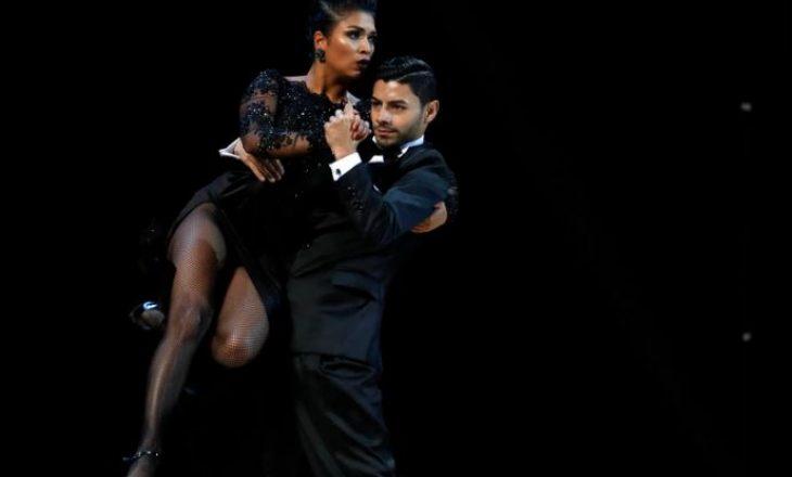 Kupa Botërore Tango 2020 nuk u mbajt në pistën e vallëzimit – por konkurrentët improvizuan
