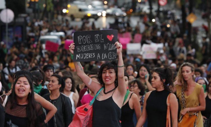 Protestohet në Meksikë, kërkohet legalizimi i abortit