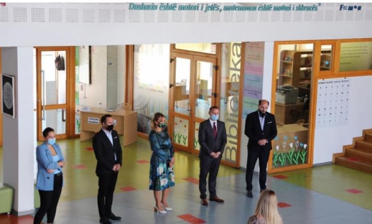 Zemaj: Shkollat duhet të respektojnë masat kundër COVID-19
