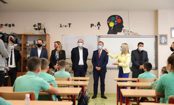 Zemaj: Ky vit shkollor, më i vështirë për shkak të situatës së krijuar nga pandemia