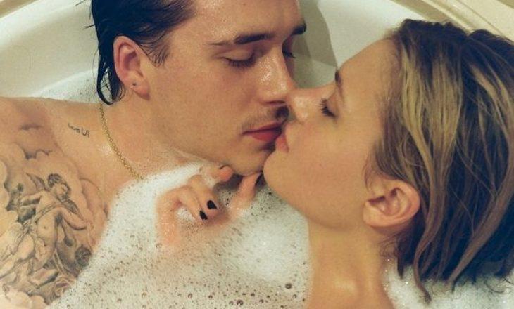 Brooklyn Beckham dhe Nicola Peltz festojnë përvjetorin e parë me foto nga vaska