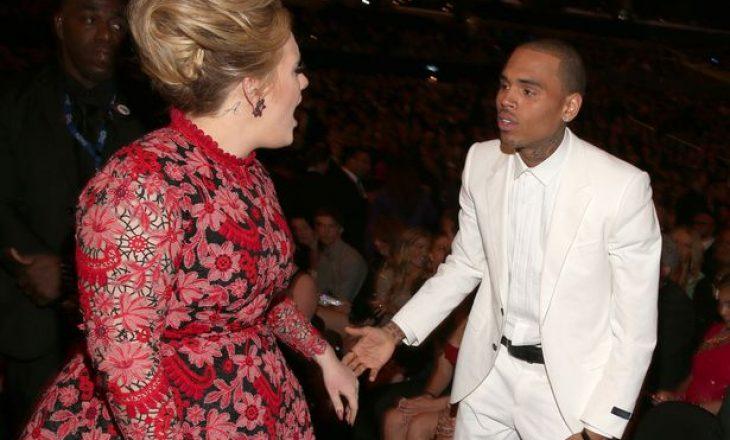 Adele feston me Chris Brown dhe miqtë e tij në një festë në shtëpinë e saj
