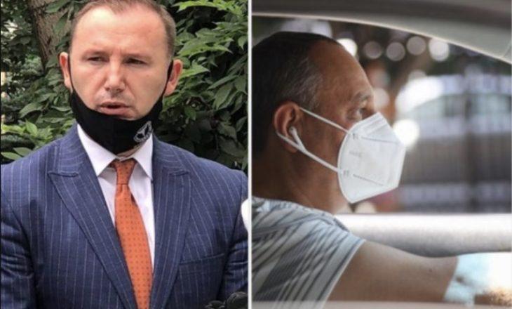 Zemaj tregon se a duhet mbajtur maska kur je duke ecur vetëm në rrugë