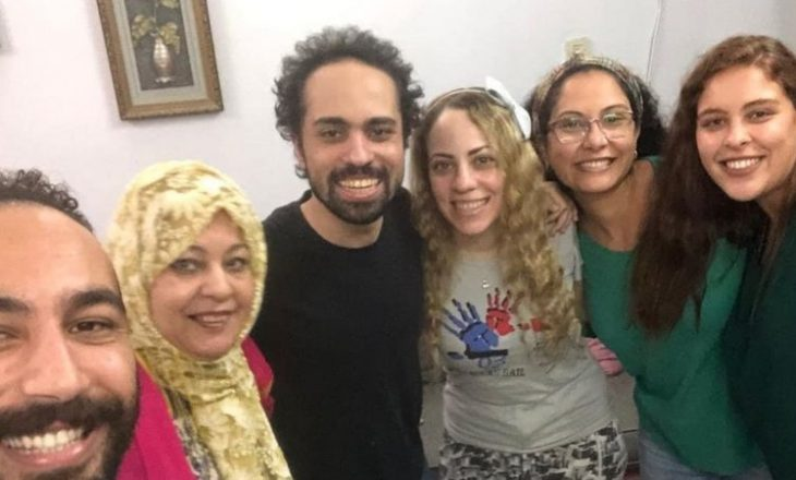 Shteti i Egjiptit liron blogerin satirik Shadi Abu Zeid pas dy vitesh në paraburgim