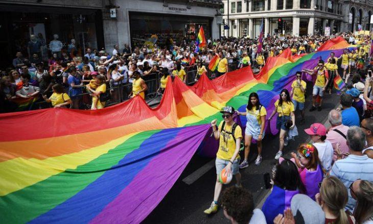 Drejtori i BBC thotë se stafi mund të marrë pjesë në Paradën e Krenarisë përkundër politikave të paanësisë