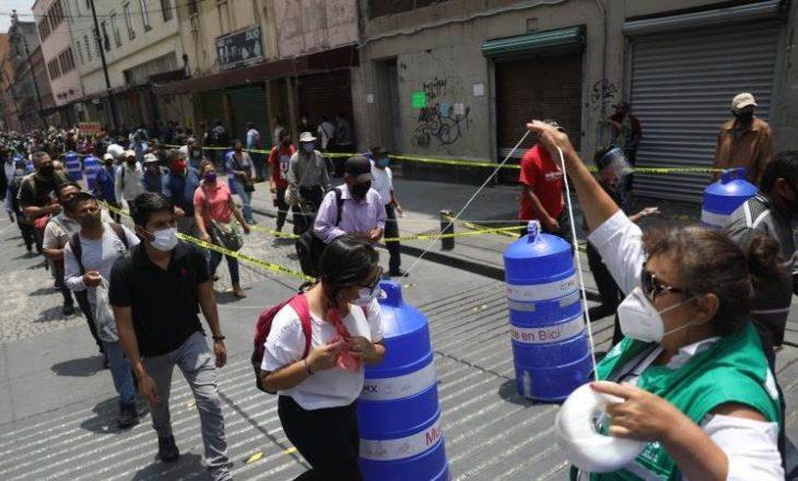"""Coronavirus detyron meksikanët të festojnë më herët """"Ditën e të Vdekurve"""""""