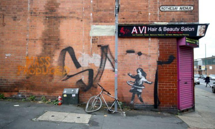 Banksy konfirmon që murali në Nottingham është i tij