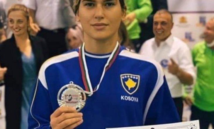 Boksierja kosovare e argjendtë në Sofje të Bullgarisë