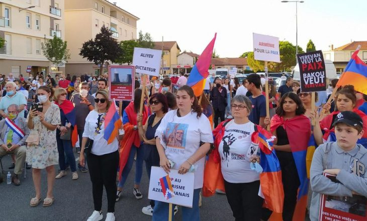 Përleshje në Francë, armenët sulmojnë turqit