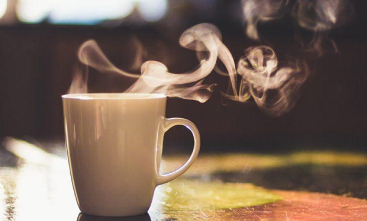 Koha më e mirë për të pirë një gotë kafe